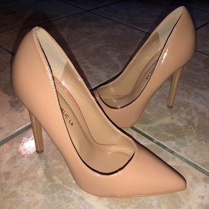 New nude colored heels! Size 7